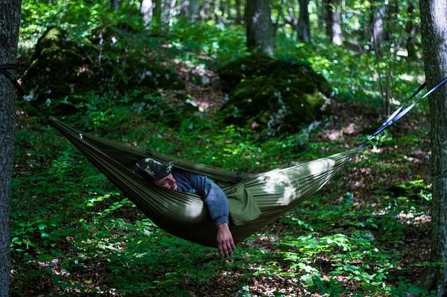 sleeping in hammock when backpacking