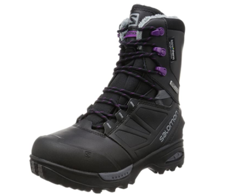 winter hiking boots keep feet dry