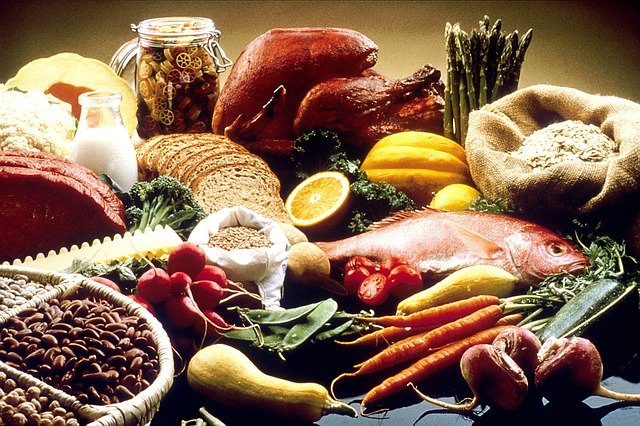eating healthy foods while fasting