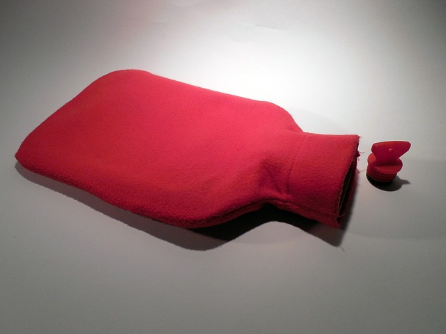 hot water bottle for heat conduction